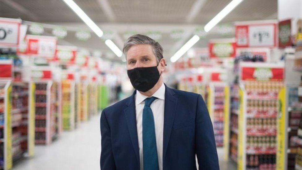 Keir Starmer at a Watford supermarket