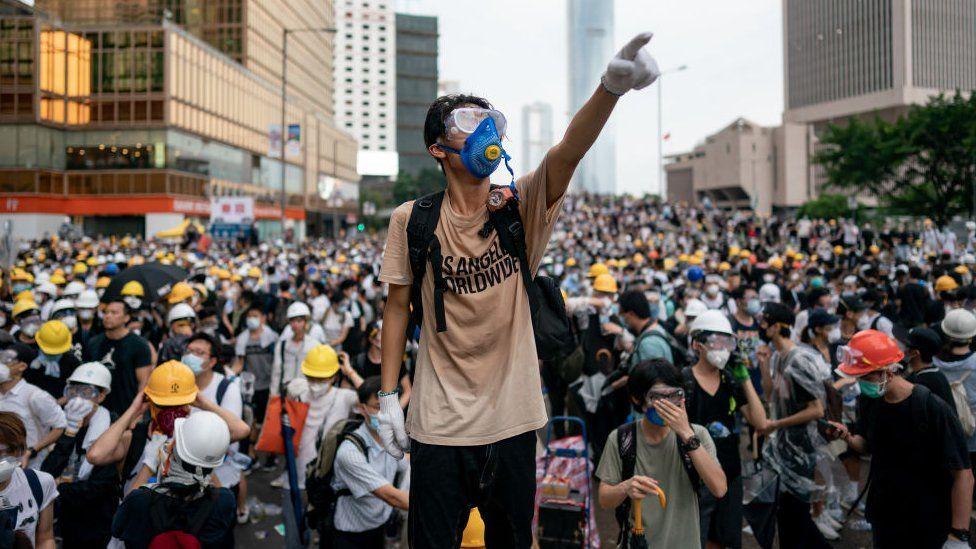 反送中游行中的香港年轻人