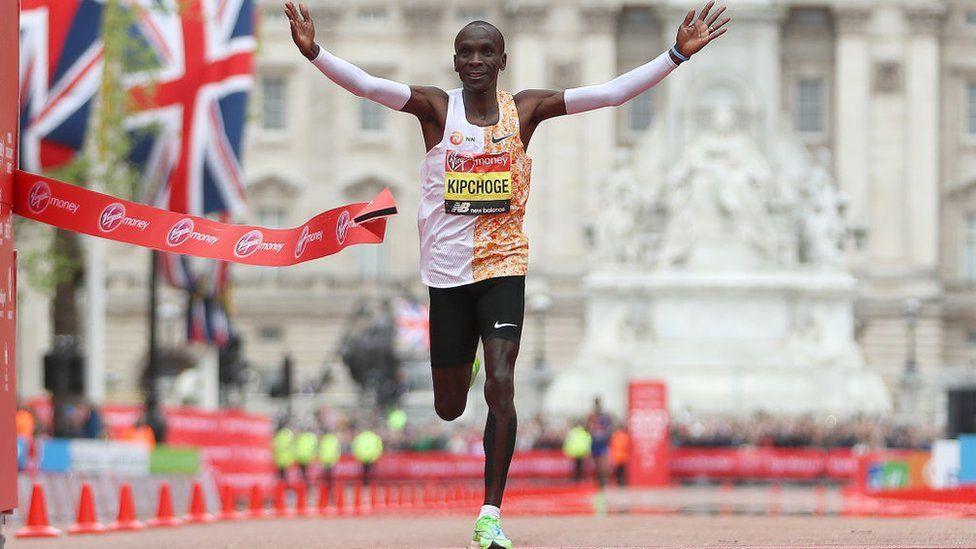 Le Kényan Eliud Kipchoge décroche une quatrième victoire au marathon de Londres