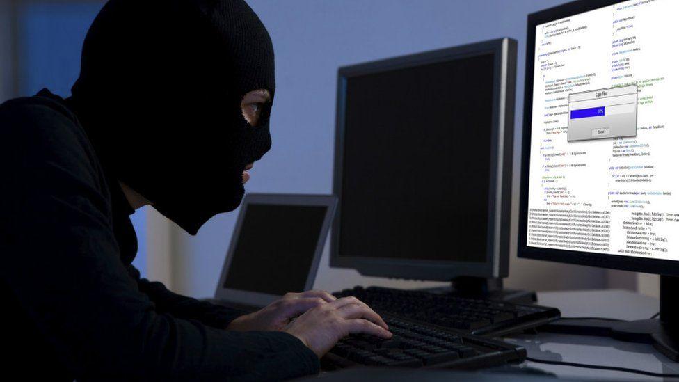 La web que te dice si te robaron las contraseñas de Dropbox, LinkedIn, MySpace y otras cuentas (y cómo protegerte)