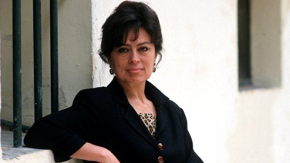 """Laura Restrepo: """"En 'Los Divinos' quería mostrar lo que hay detrás del monstruo, la parte que no se ve"""""""