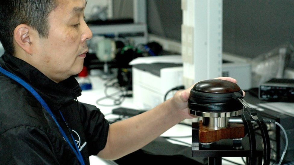 Hiromichi Ozawa, is the manager of headphone research and development at Audio Technica