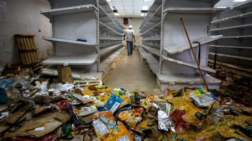 Destroyed grocery store in Caracas 21 April 2017