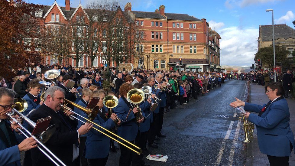 Crowds and musicians in Llandrindod Wells, Powys.