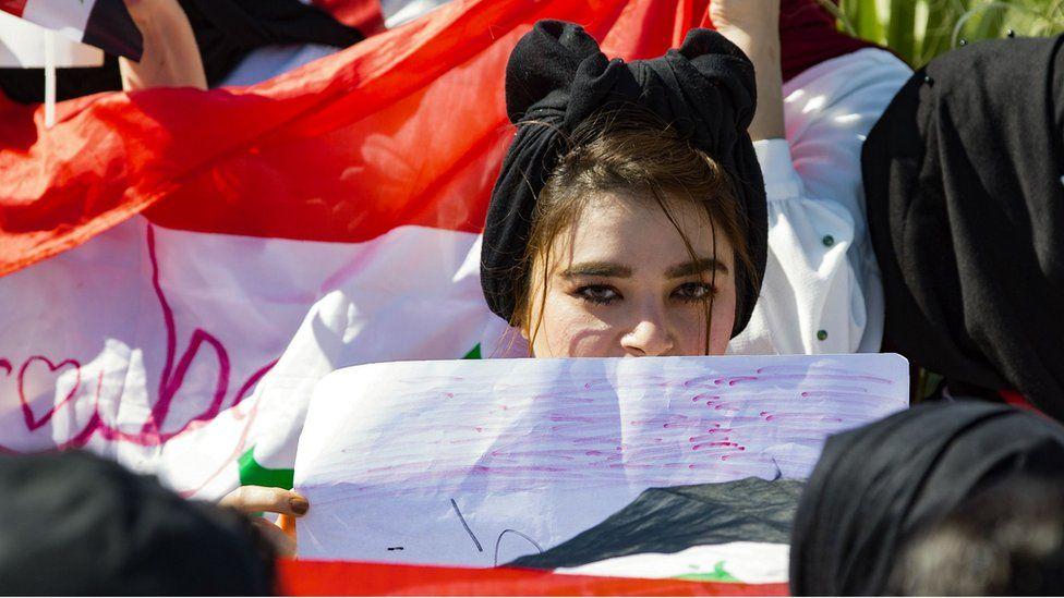 مظاهرات العراق نساء التحرير وشهادات من قلب الاحتجاجات Bbc News