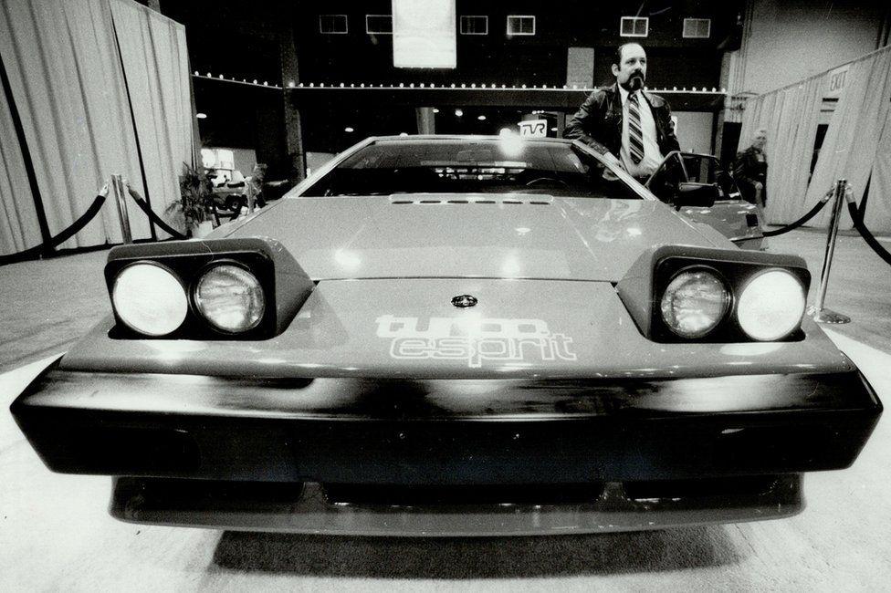Lotus to launch last pure petrol sports car thumbnail