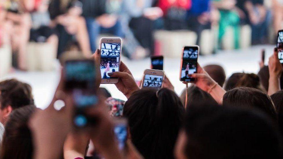 People using Instagram