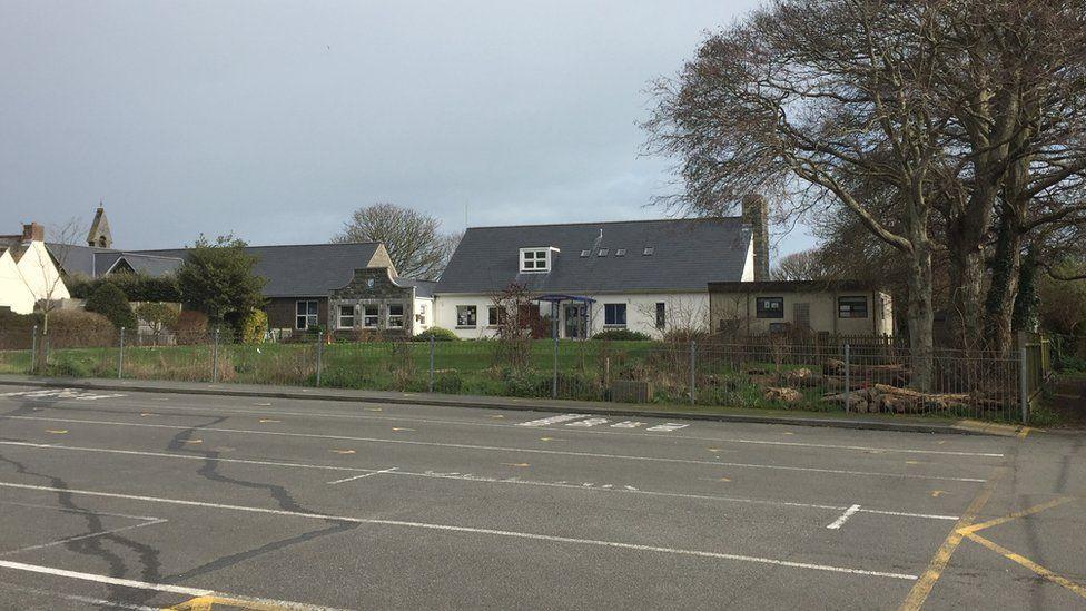 Vale school