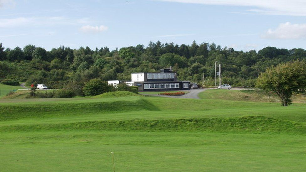 Llanymynech Golf Club has 15 holes in Wales and three in England