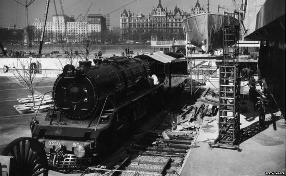 7th April 1951: A locomotive constructed for the Indian Government Railways by the North British Locomotive Company of Glasgow, on show at the Festival of Britain on London's South Bank.