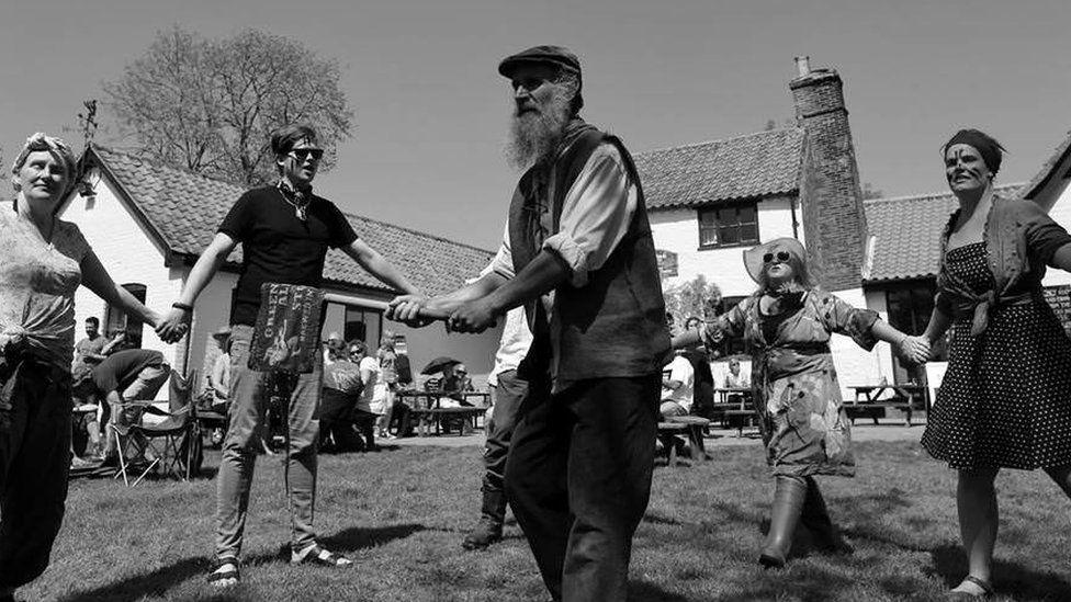 Dwile flonking at The Locks Inn, Geldeston