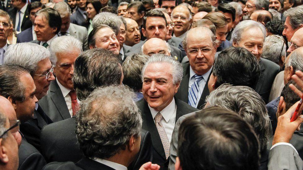 Quatro desafios para conquistar os brasileiros de um presidente que assume com 68% de rejeição
