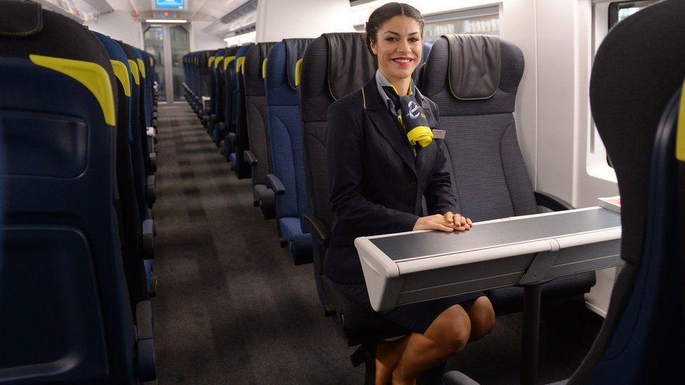 2014年,e320列车投入运行。一列车最多可运载900名乘客