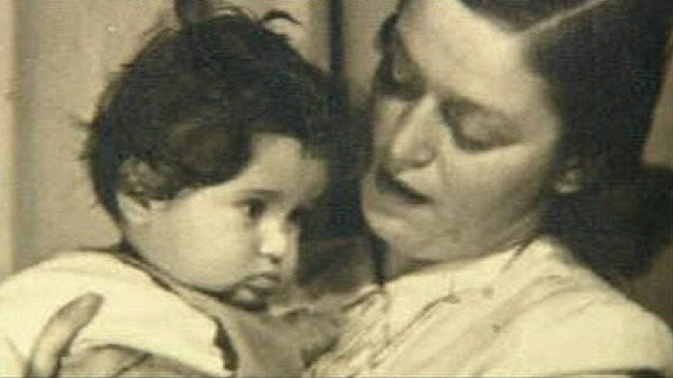 Baby Eva and her mother Anka