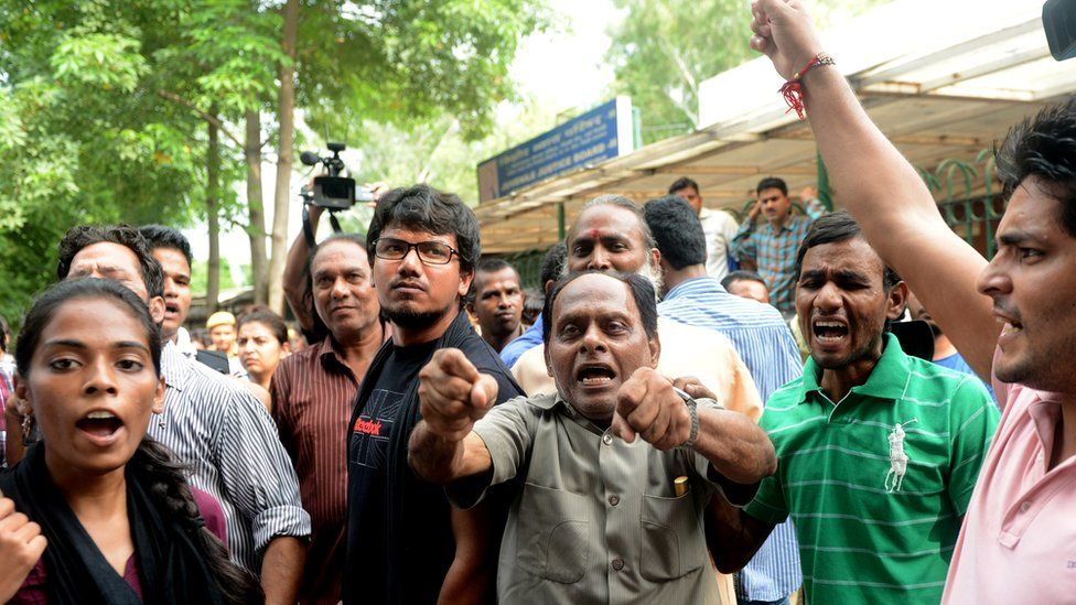 Protest outside the juvenile court office in delhi