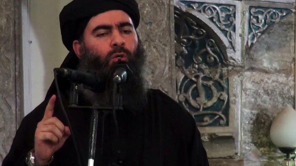 IS leader Abu Bakr al-Baghdadi speaks at the Great Mosque of al-Nuri in Mosul, Iraq (5 July 2014)