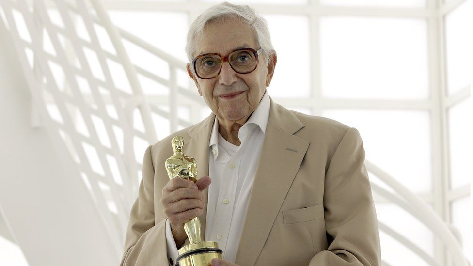 Ken Adam with his Oscar in 2012