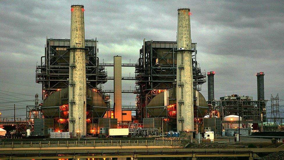 The Edison Co. Generating Plant is shown as night falls on 14 February 2005 in Long Beach, California