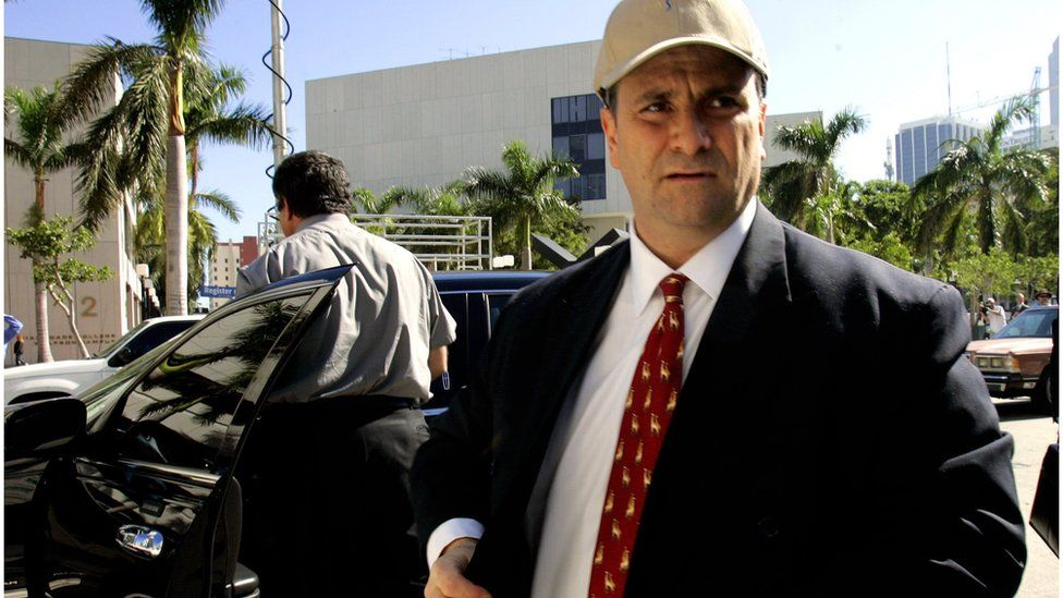 Jack Abramoff arrives at the federal justice building in Miami (4 Jan 2006)