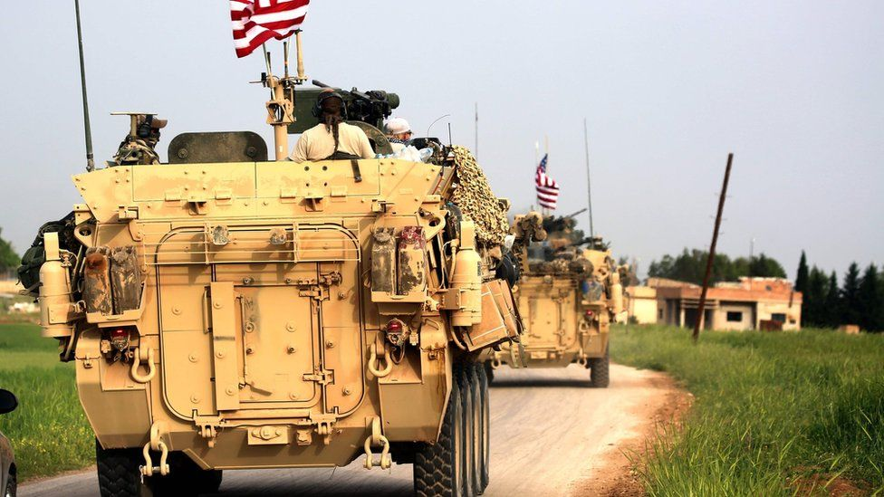 US forces accompany Kurdish fighters near the northern Syrian village of Darbasiyah (28 April 2017)