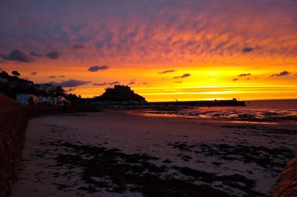 Sunrise over Gorey Castle