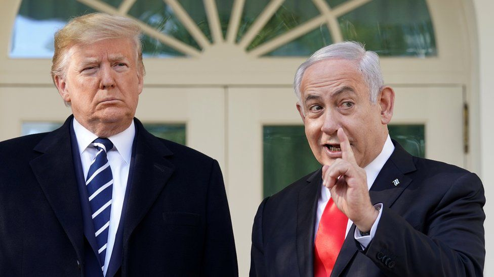 US President Donald Trump and Israeli Prime Minister Benjamin Netanyahu talk outside the Oval Office of the White House