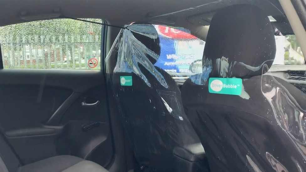 Protective screen in taxi