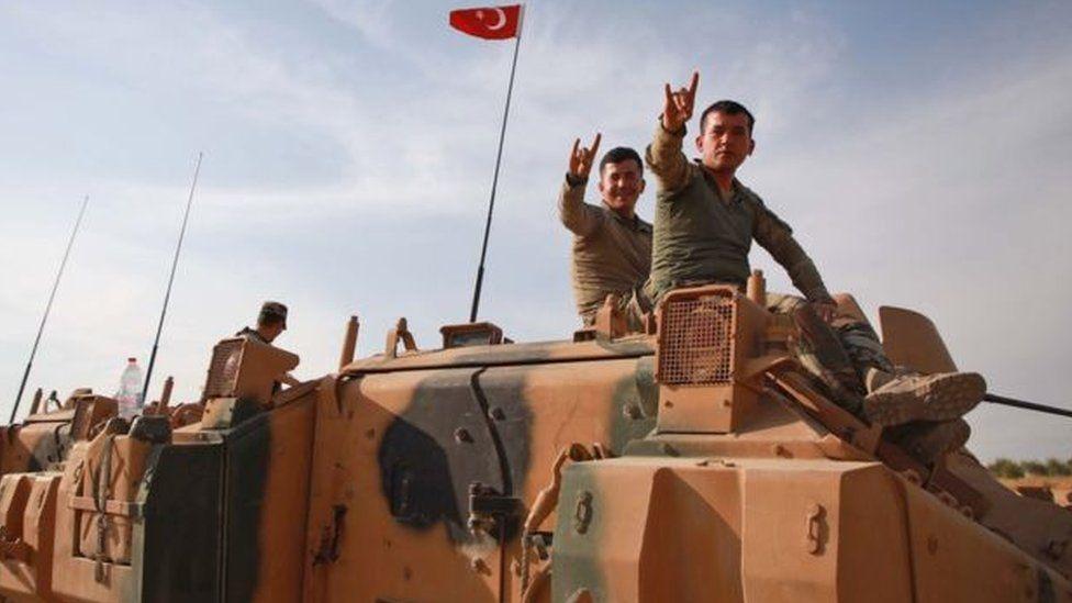 رأس العين: انسحاب القوات الكردية من البلدة الحدودية في شمالي سوريا