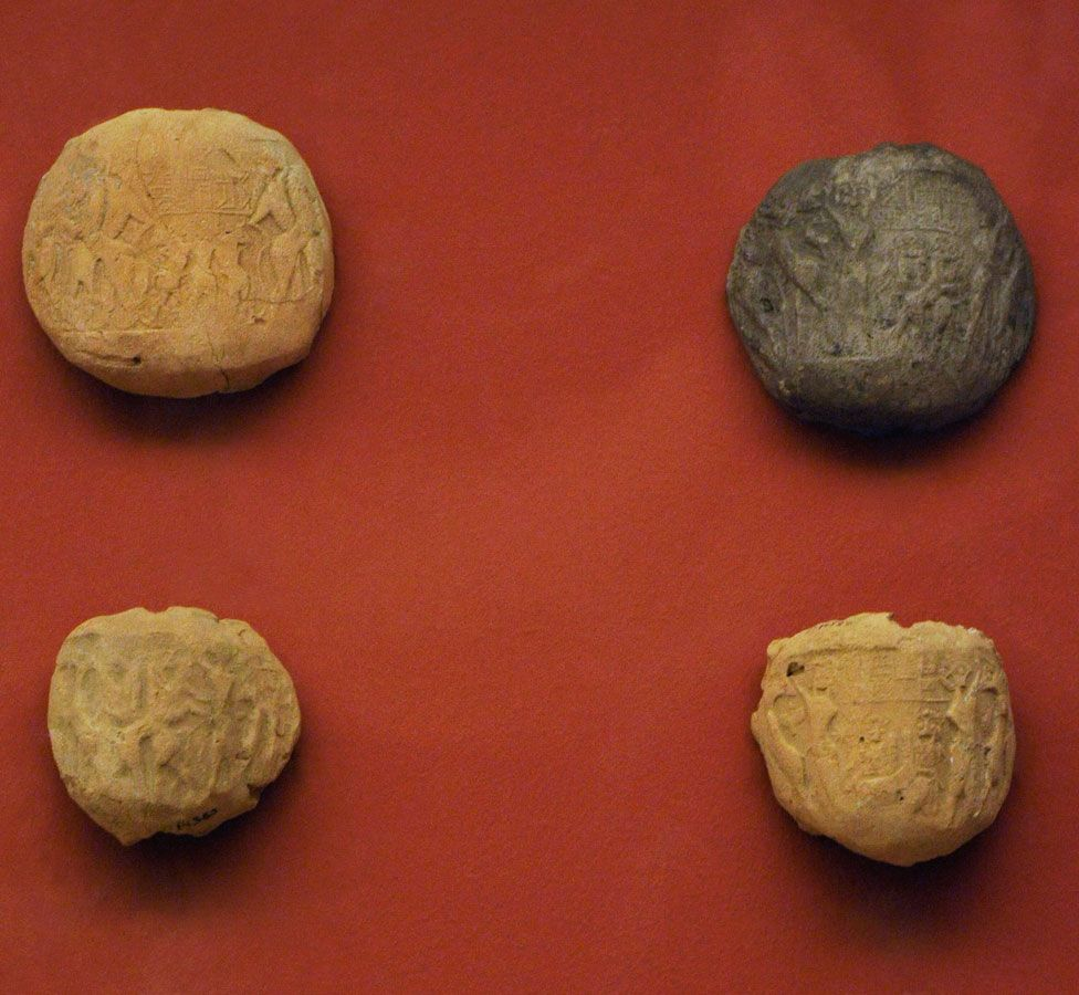 Inscribed bulla, pieces of clay by used by the Sumerians in 8th millennia BC