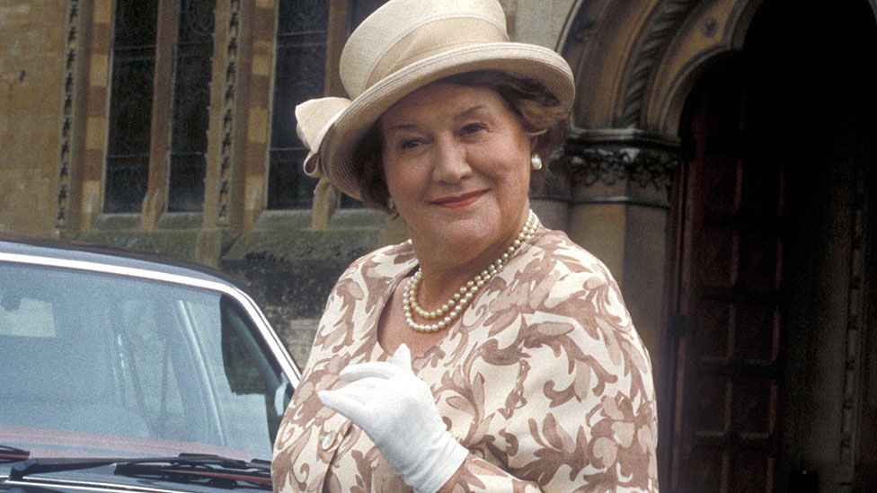 Patricia Routledge in Keeping Up Appearances