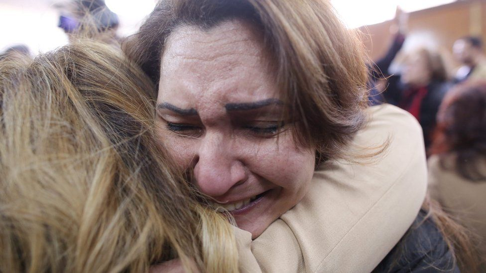 Egyptians react after the High Administrative Court rejects an appeal by the government against a ruling stopping the transfer of Tiran and Sanafir islands to Saudi Arabia (16 January 2017)
