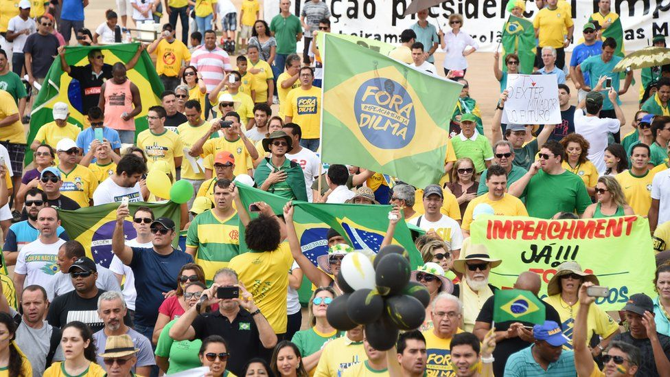 Demostrators protest against the government of Brazilian President Dilma Rousseff in Brasilia, on March 15, 2015.