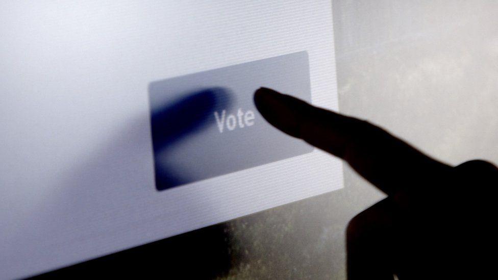 touch screen vote machine