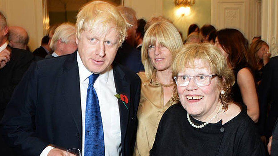 Charlotte Johnson Wahl with son Boris Johnson and daughter Rachel Johnson