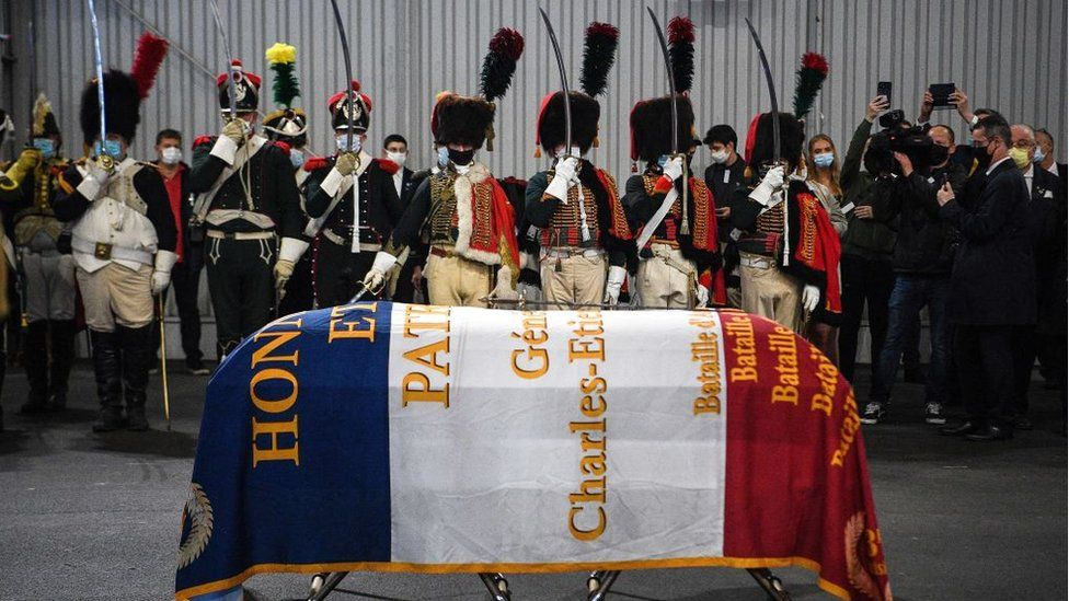 France receives remains of Napoleonic general from Russia thumbnail