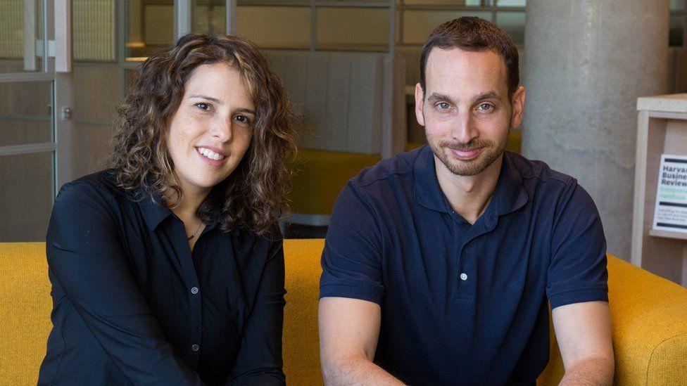 Vault founders Neta Meidav (l) and Rotem Hayoun-Meidav