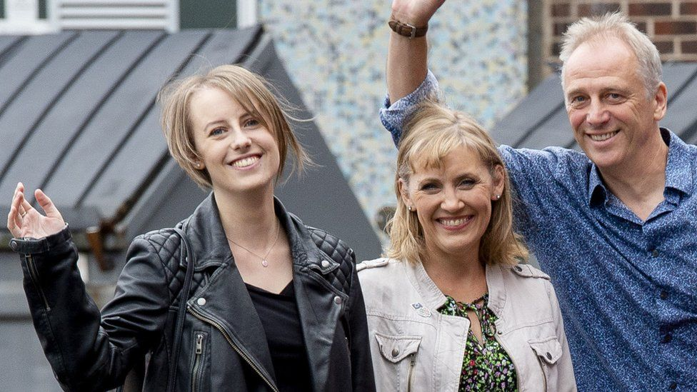 Laura Nuttall (left) with her mum Nicola and dad Mark ahead of Saturday's shows