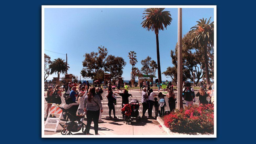 People watching the LA Marathon