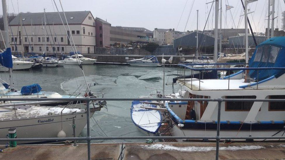 Victoria Dock in Caernarfon is starting to freeze over