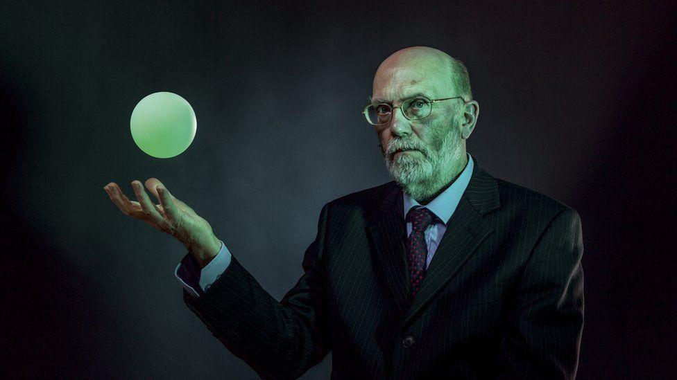 Dr Ron Evans