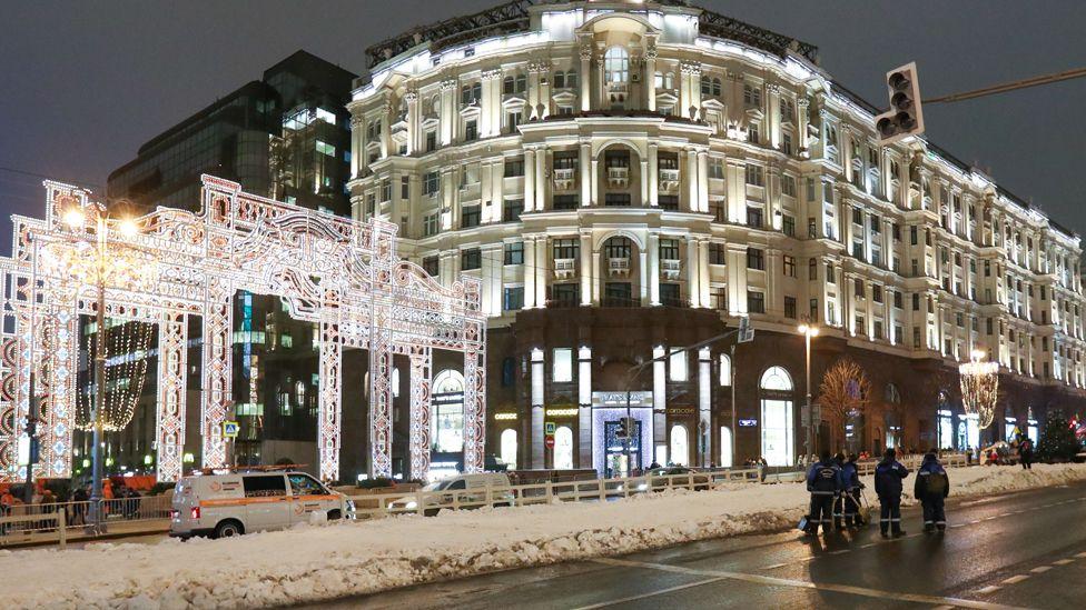 Artificial snow on Tverskaya, 29 Dec 19
