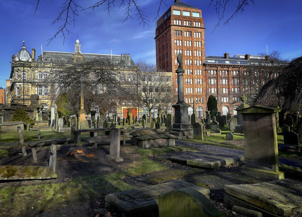 The Howff - Dundee's medieval graveyard