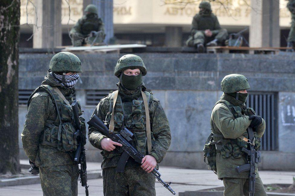 Pro-Russian troops in Crimea, 1 Mar 14
