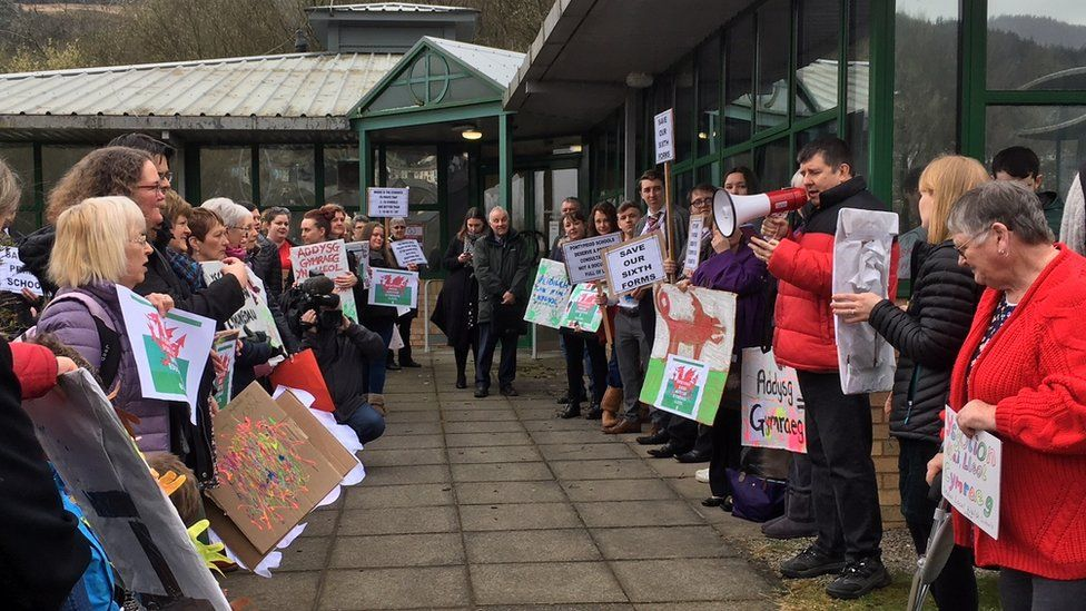 Protesters against school closures gathered at Rhondda Cynon Taf council HQ in Clydach Vale