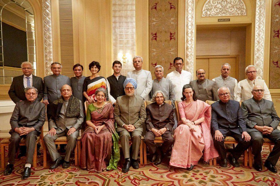 Manmohan Singh: India's 'accidental PM' biopic causes stir - BBC News