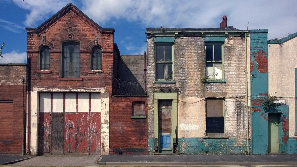 derelict houses and abandoned commercial property in Hull