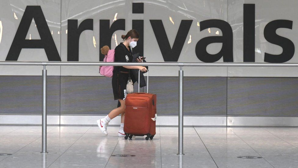 Covid: Fully jabbed arrivals from France must still quarantine thumbnail