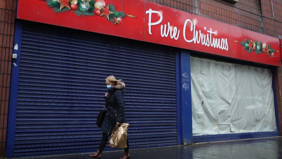 Christmas shop in Glasgow