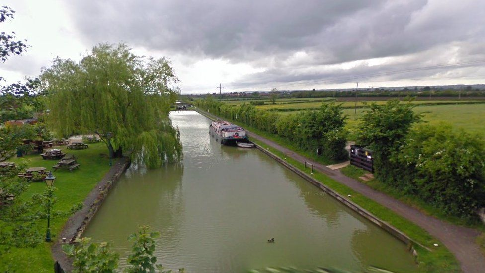 Kennet and Avon Canal, Wiltshire