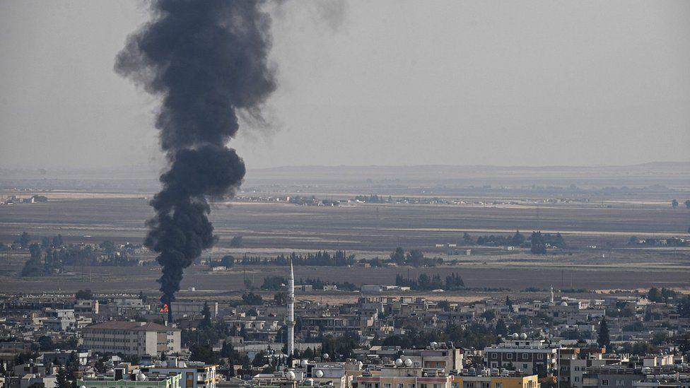 """صحف بريطانية تناقش """"مزاعم استخدام تركيا الفوسفور الأبيض بسوريا"""" وتشغيل مكيفات في شوارع قطر وخطة طرح أسهم أرامكو للبيع"""